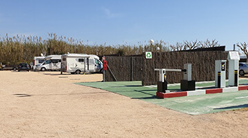 parking-area-camper-barcelona-beach